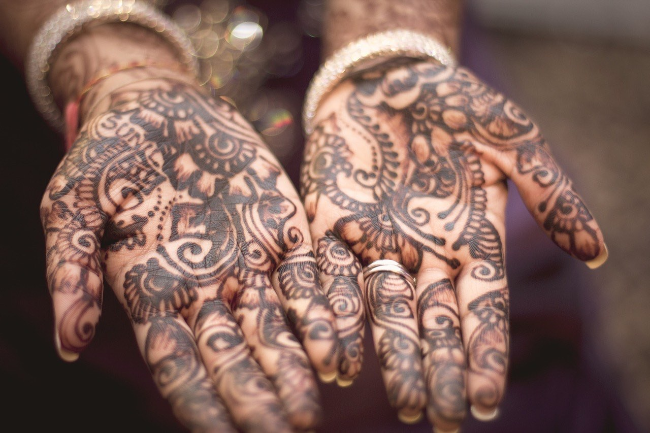 India travel guide_Indian culture_henna_PD
