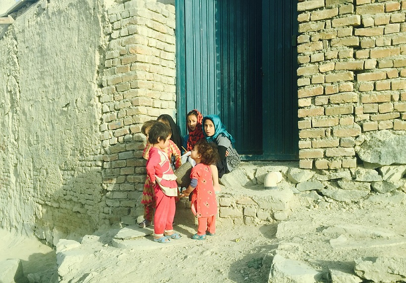 Little girls in Kabul_Afghanistan_PD