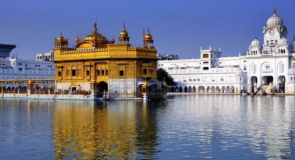 golden-temple-amritsar-gold_PD
