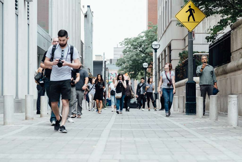 pedestrians-crossing-road-street_PD