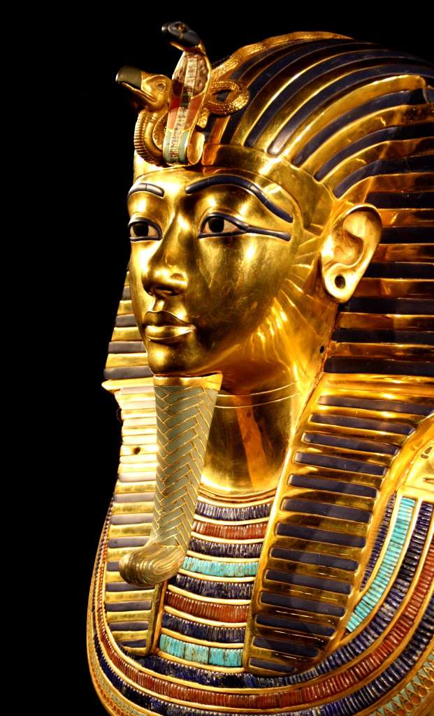 tutankhamun-death-mask-pharaonic_PD