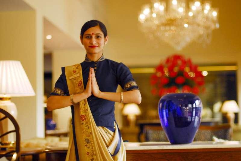 image_an_oberoi_hotel_employee_doing_namaste_new_delhi_CC