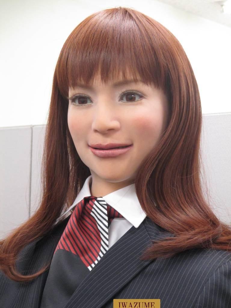 reception-robot_henn na_robot hotel nagasaki japan