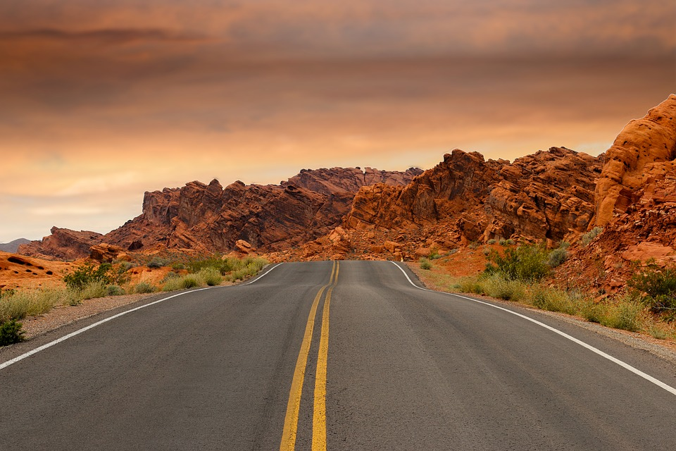 Road_Red Rocks_Formation_USA_PD