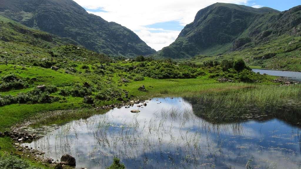 озеро-килларни-отражение-холмы_PD