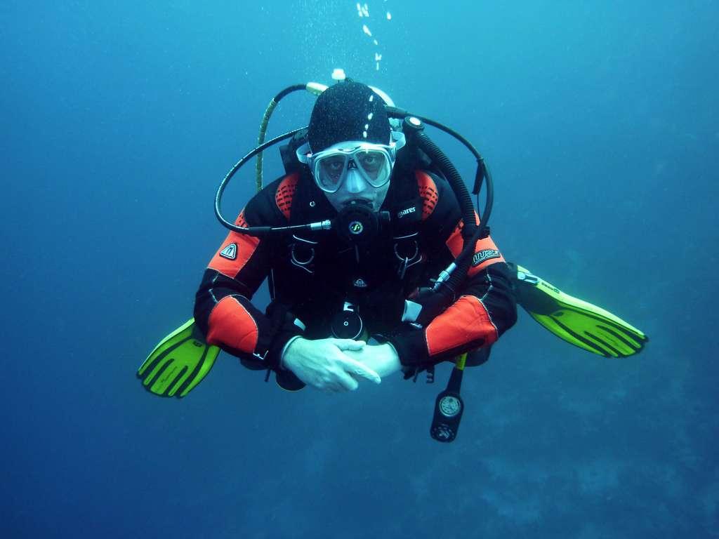 различный-аквалангистов-дайвинг_PD