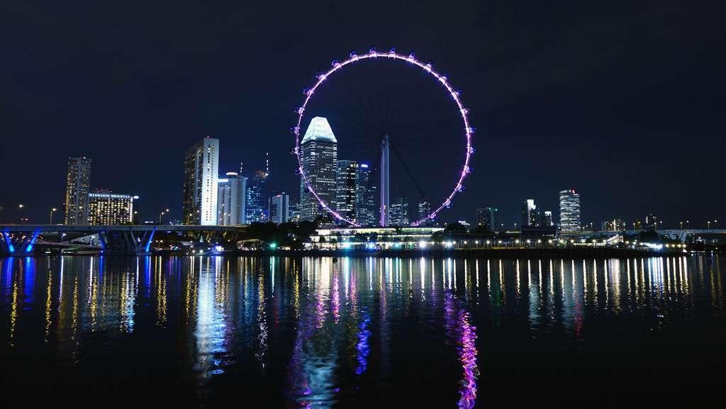 сингапур-колесо-обозрения_PD
