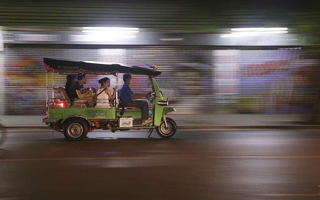 тут-тук-таиланд-транспорт-азиатских_PD