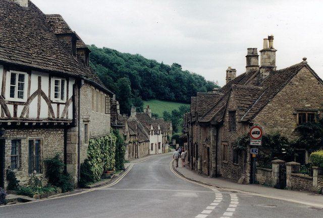 Image_street_Castle_Combe