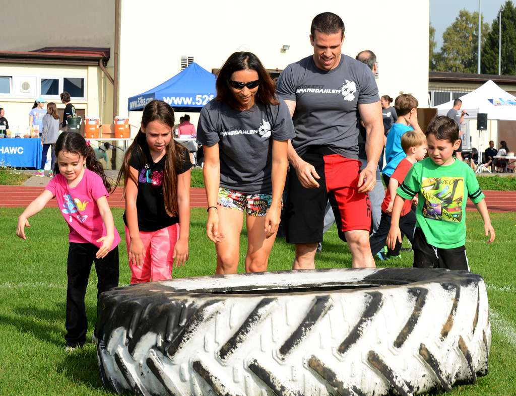 Fit_Family_Field_Day_140920-F-VE588-014_PD