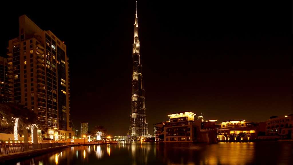 dubai-burj-khalifa-skyscraper-night_PD