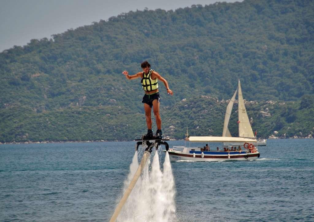 flyboarding-водные-виды-спорта_PD