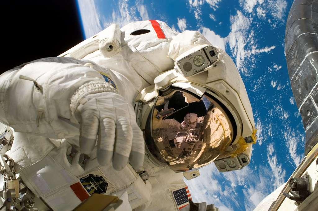 image_piers_sellers_spacewalk_PD
