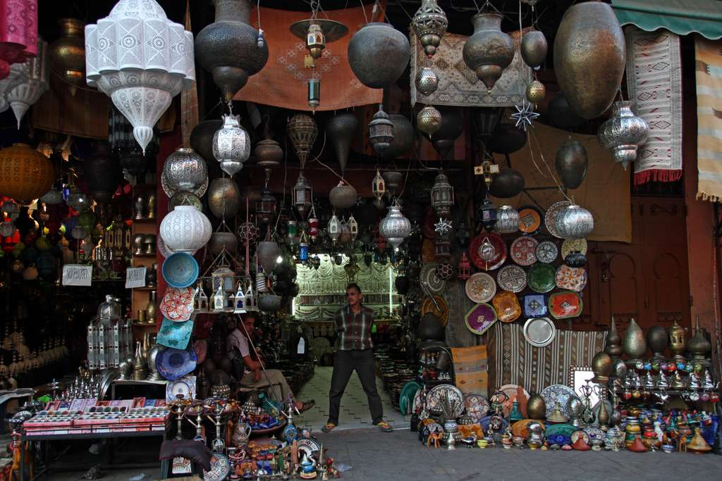 lamps-morocco-traditional-shop_PD