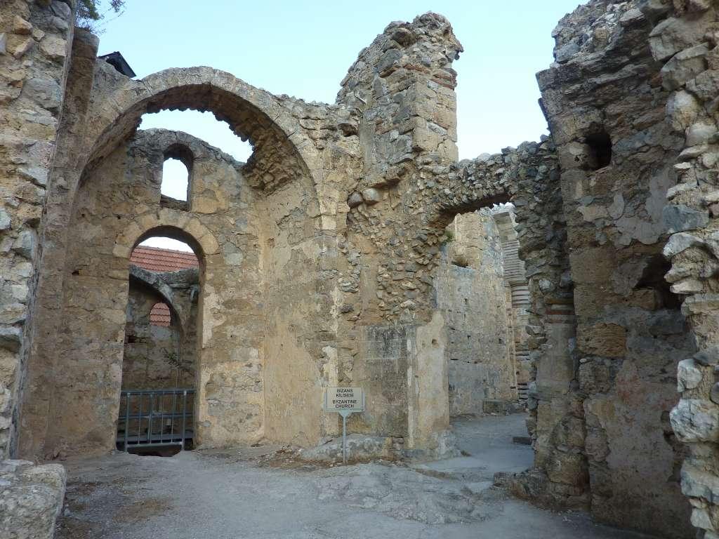 saint_hilarion_castle_07_CC