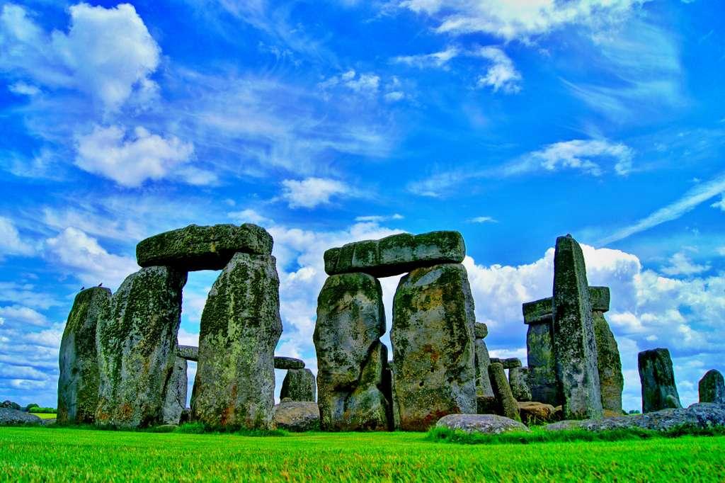 stonehenge-england-monument-stone_PD