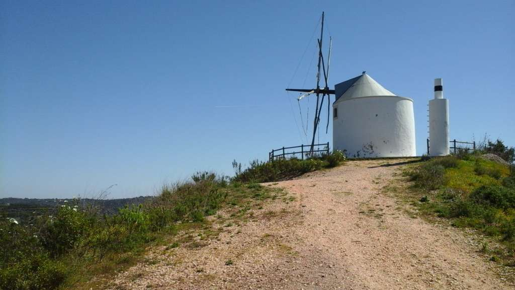 wind-mill-portugal-hill-top-old_PD