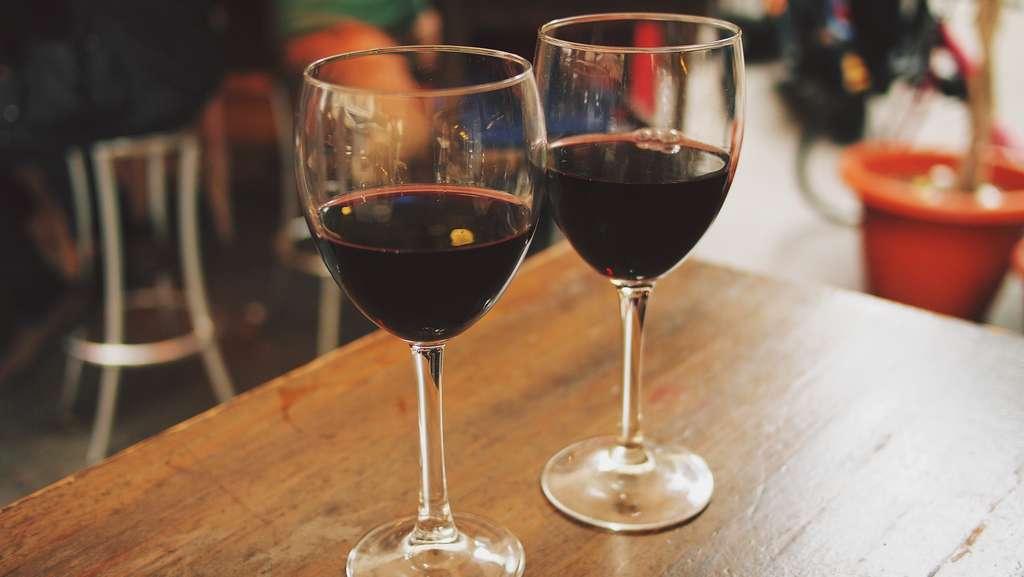 вино-очки-наружные-кафе-ресторан_PD