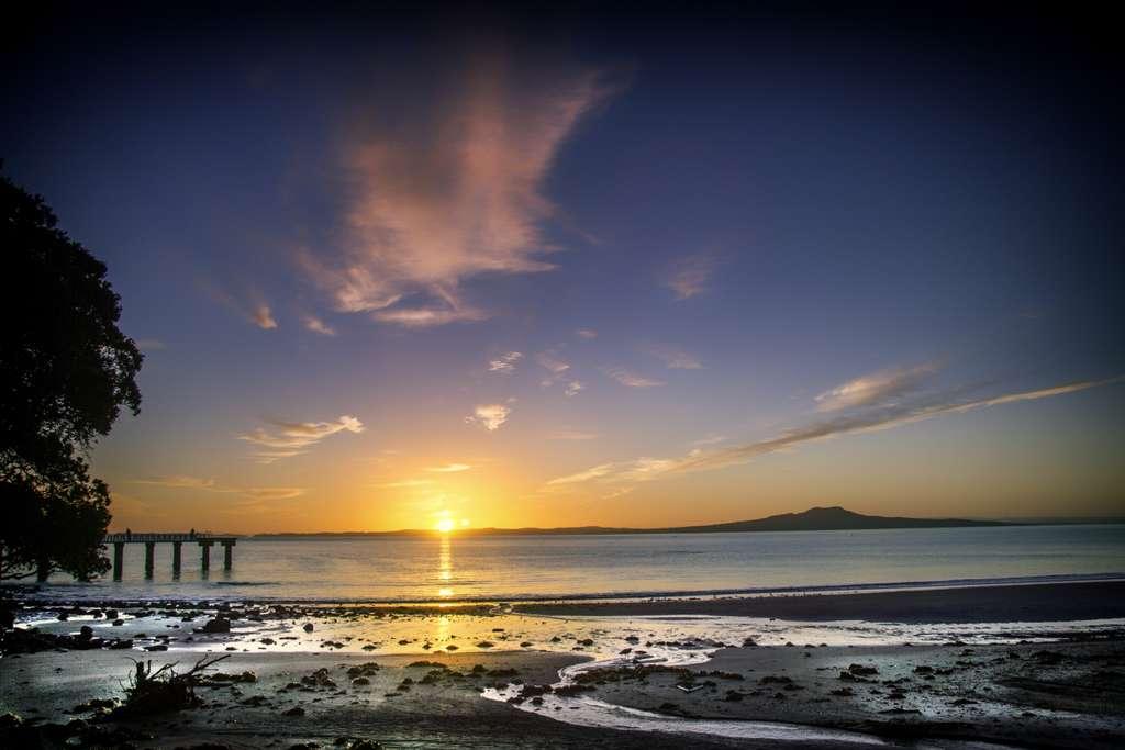 восход-солнца-пляж-новая-зеландия_PD