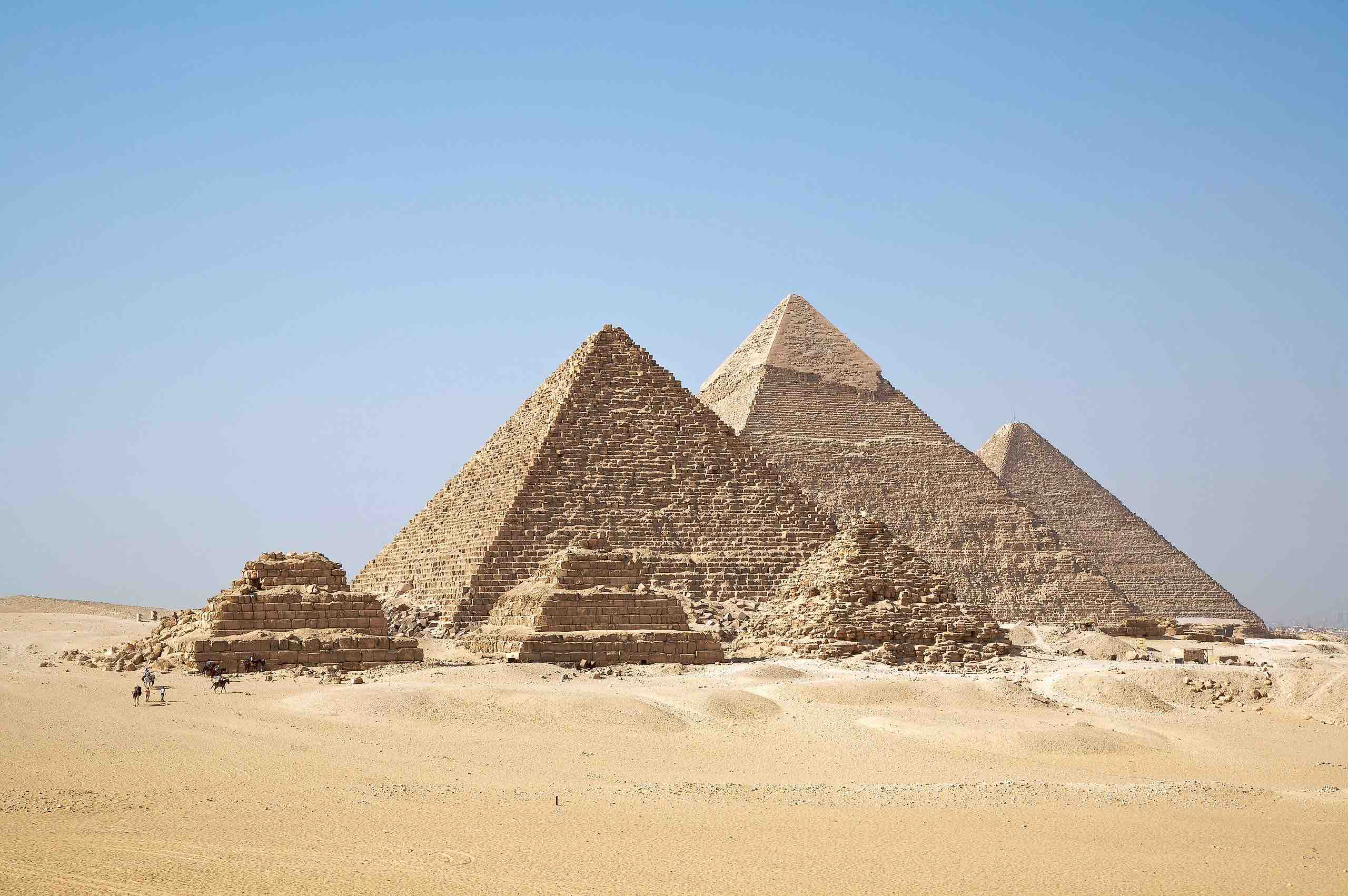 Pyramids_of_Giza. Africa Travel Guide. Egypt, North Africa