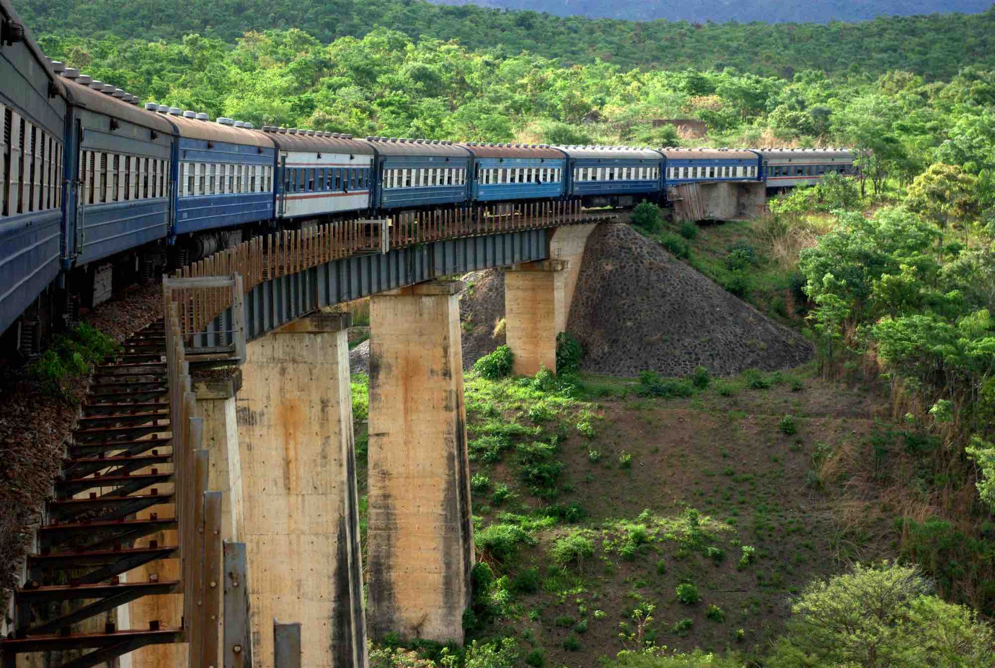 Zambia Train Tazara_crossing_bridge