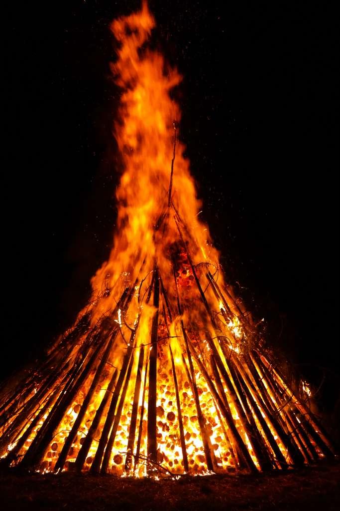 fire-flame-embers-glow-hot-heat_PD