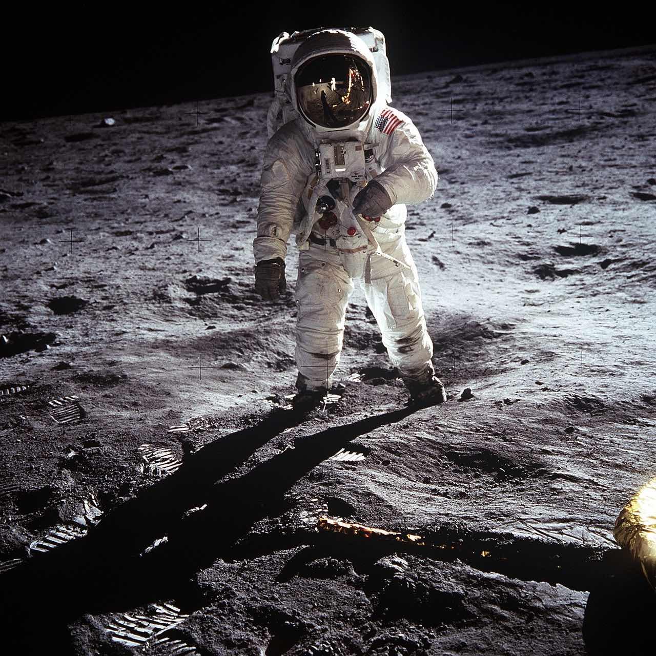Moon Landing_Spacesuit_PD