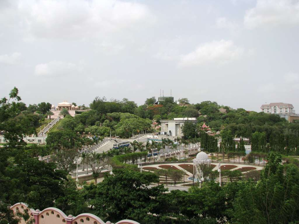 Image_hyderabad_vast_studio_sets_at_ramoji_film_city_CC