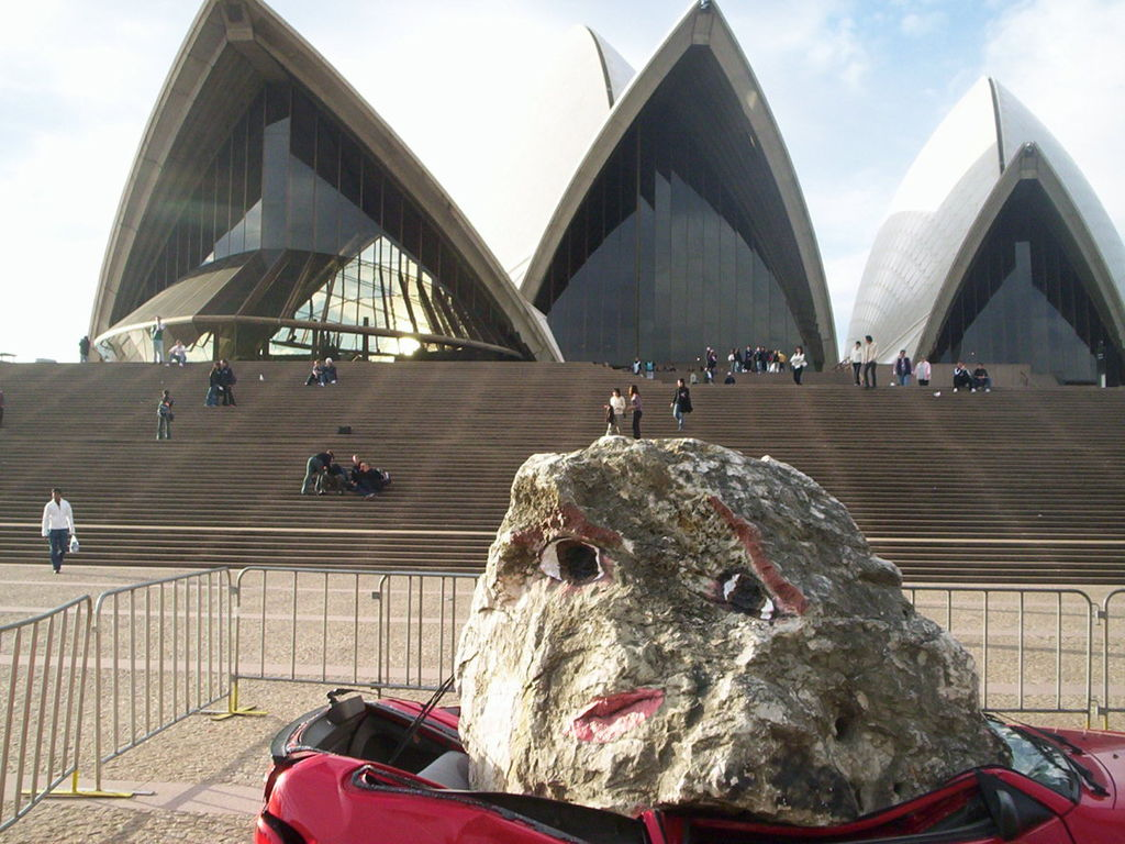 Sydney_Biennale_Crushed_Car_Opera_House_CCSA3.0