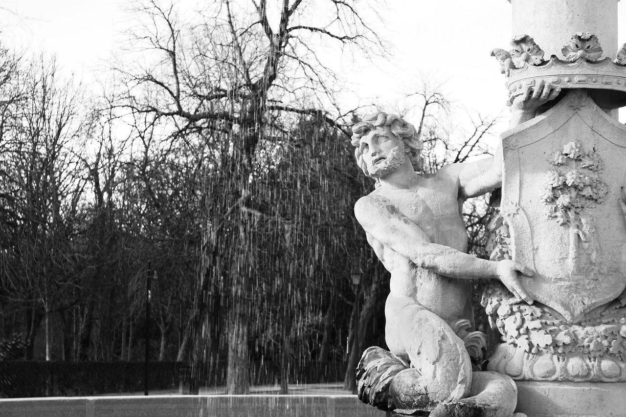 Velazquez Palace_Madrid_PD