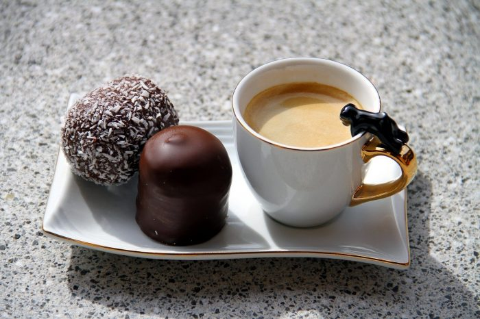 coffee and chocolate cafe_PD