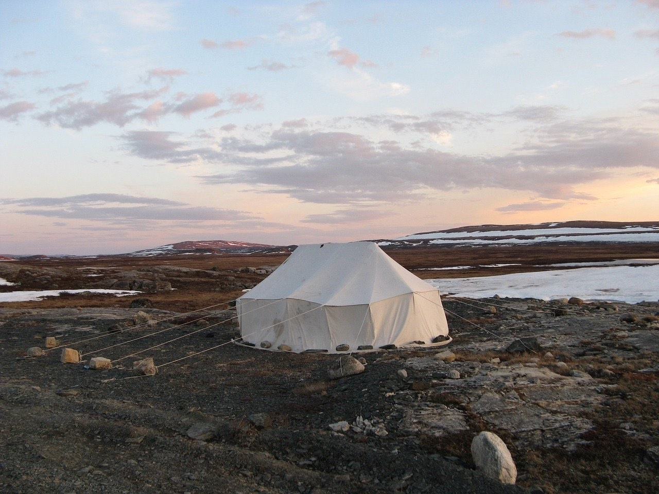 An Inuit tent in the arctic region_PD