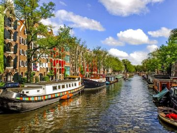 canal-waterway-barge-home-boat_PD