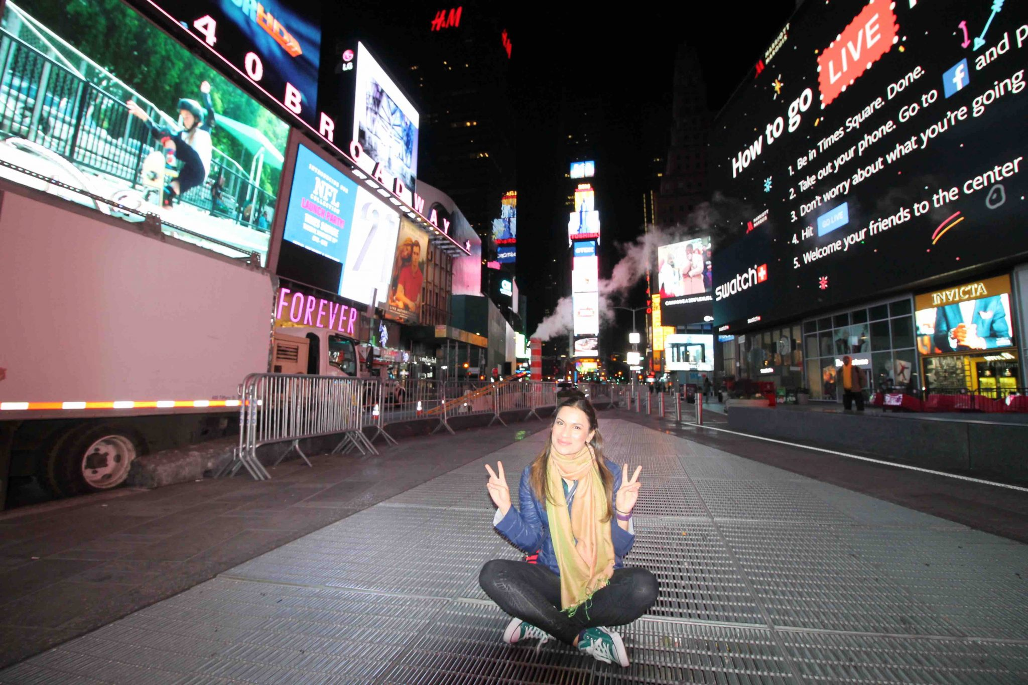 Best Food Festivals & Events In New York City_and Cheap stay in New York City. Hostels are the cheapest option. Here in this photo, I am enjoying the Times Square while waiting for daylight to come. Find the best , cheap food in new york