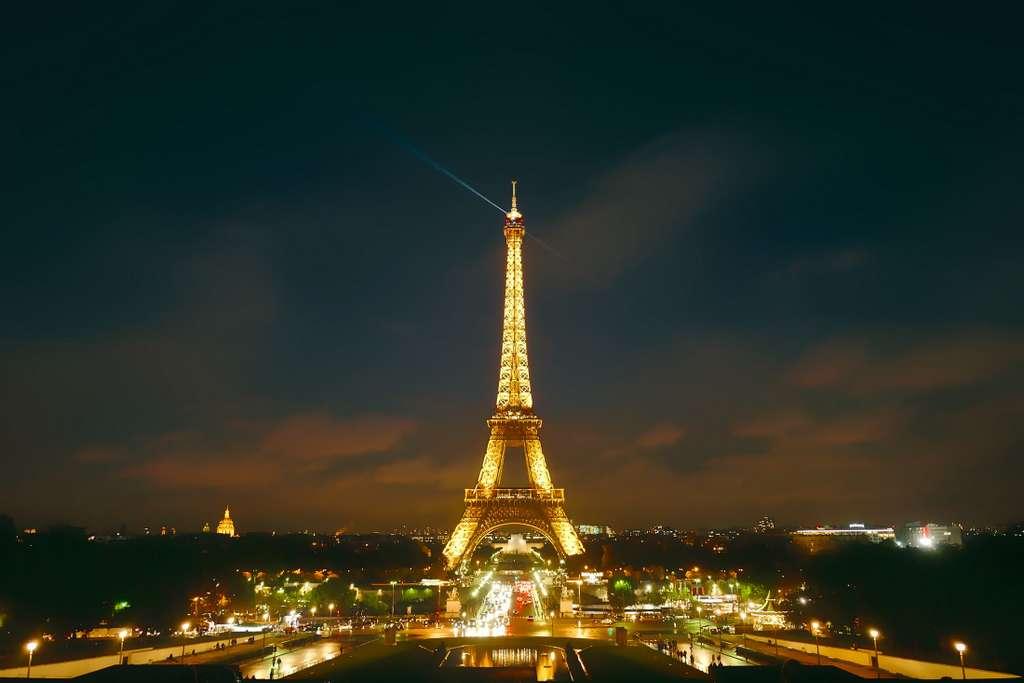 paris-france-city-urban_PD