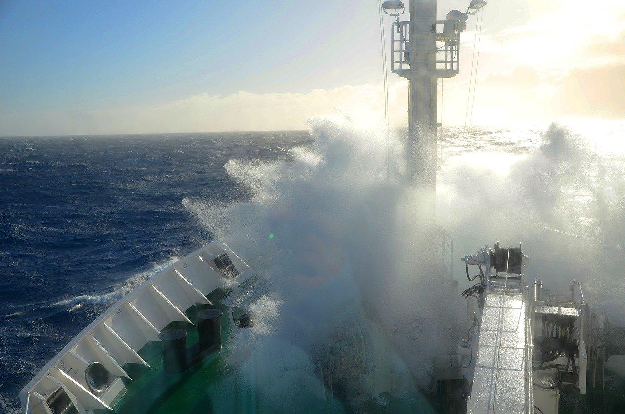 Drake passage_Antarctica_Ocean_high waves_PD