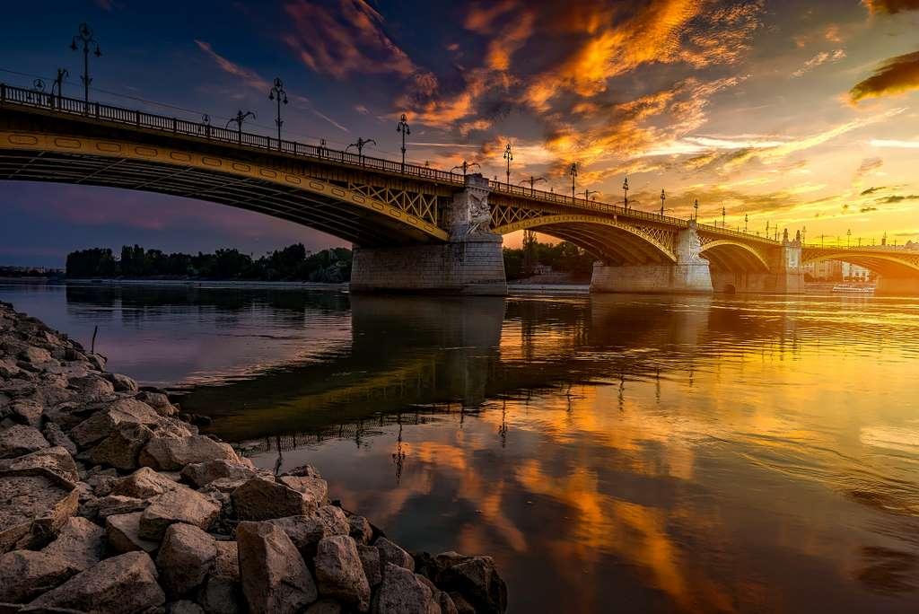 budapest-hungary-bridge pd