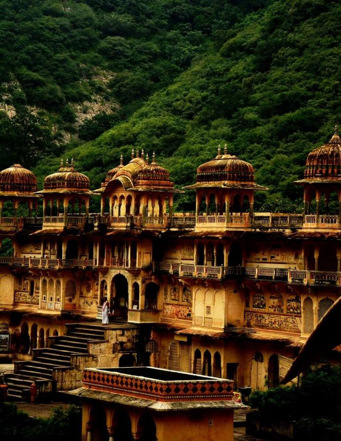 galtaji-religion-jaipur-temple_architecture_building_old_tourism_antique_travel_india_PD