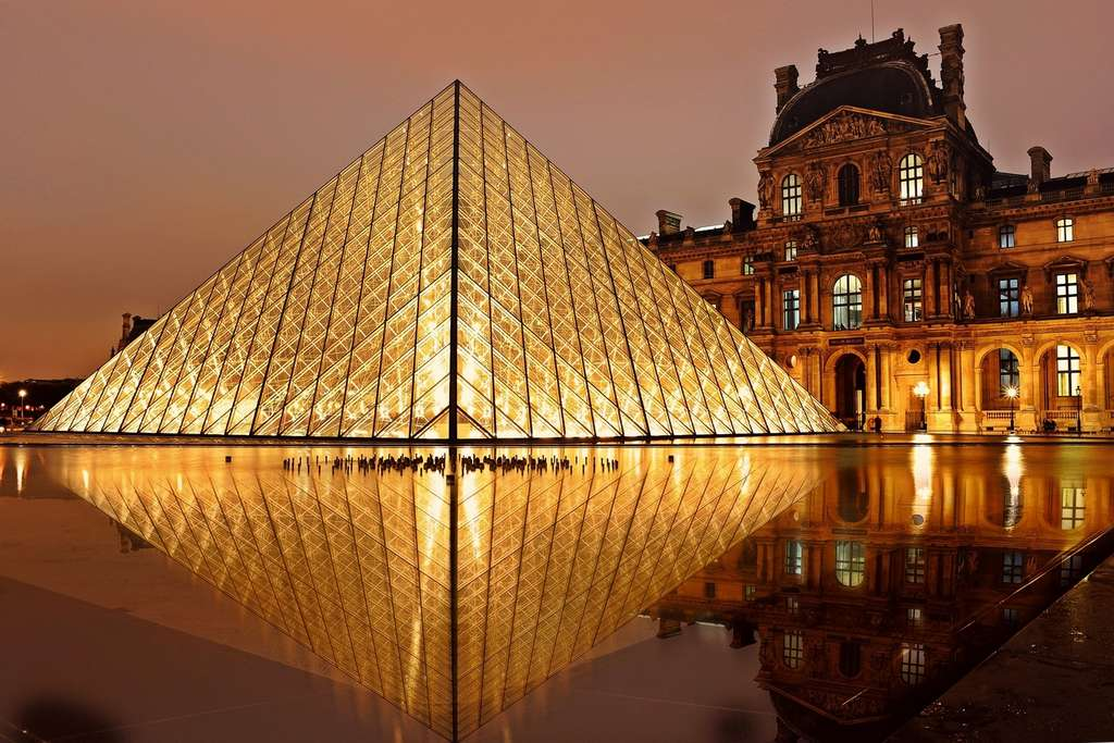 louvre-pyramid-paris-tourism PD