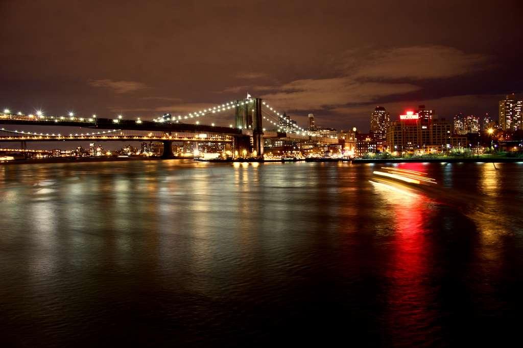 night-bridge-new-york-lights- pd