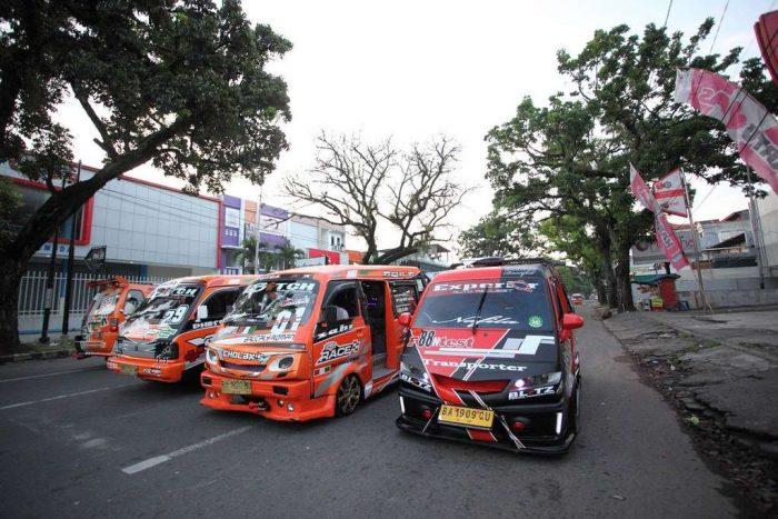 padang-public-transport-indonesia_car modification_original_race_PD