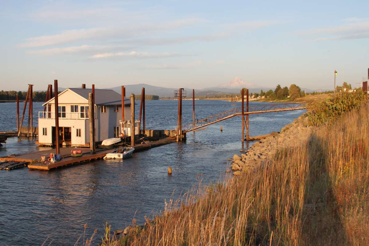 portland-oregon-travel-river-usa_PD