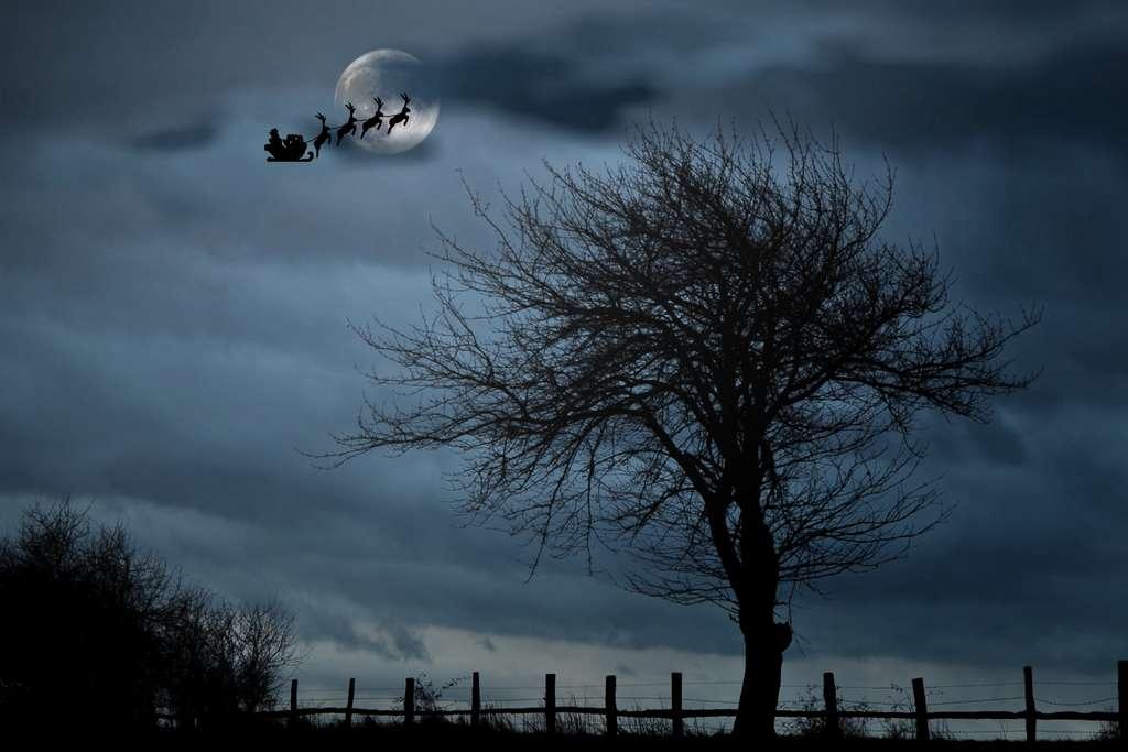 santa-with-sleigh-christmas pd