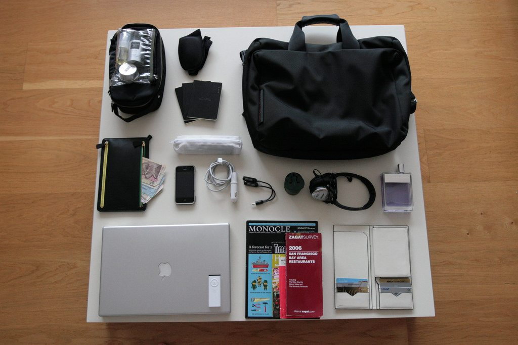 travel_kit-organizer-office_bag-devices