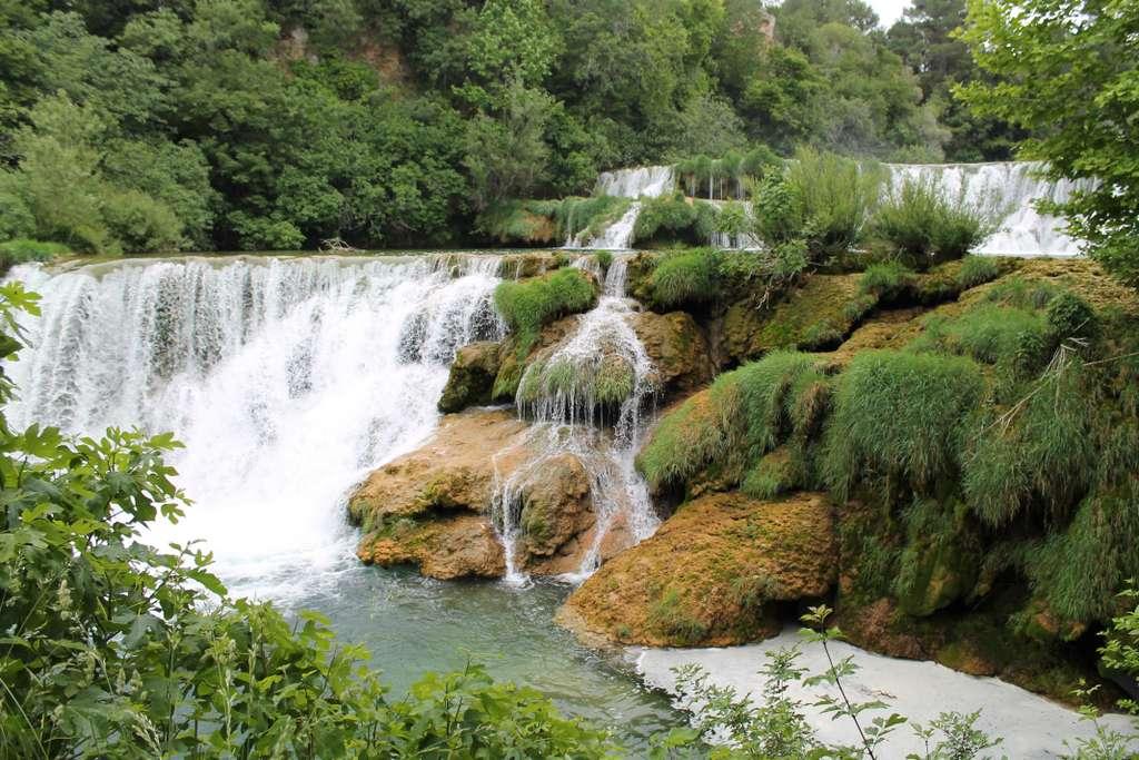 waterfall-nature-bach-water_PD