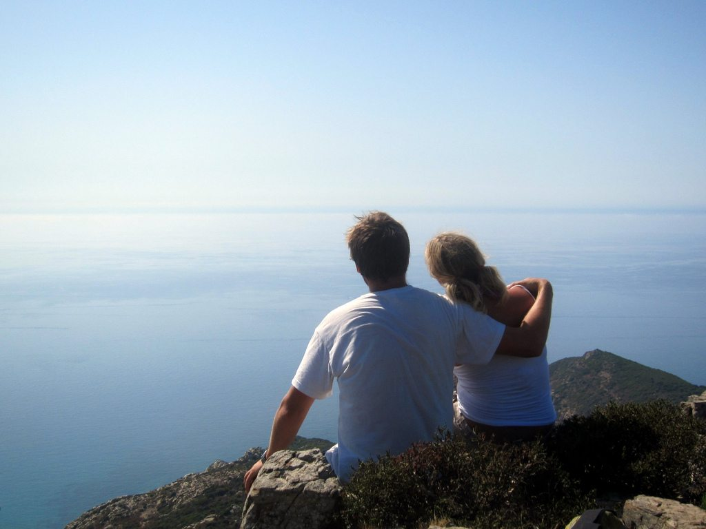 Top trip ideas for Valentines Day. Couple-corsica-mare-sea-blue