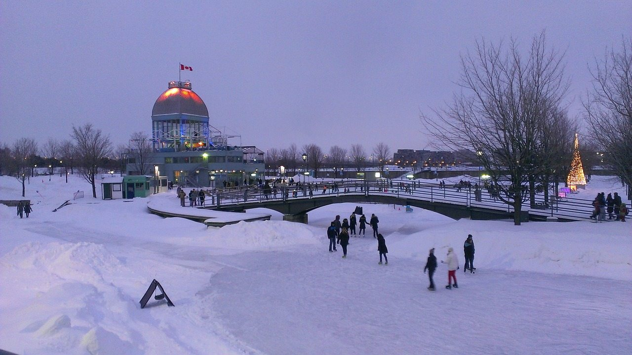 montreal-night-ice_skating-season-white-cold-snow-frozen-winter