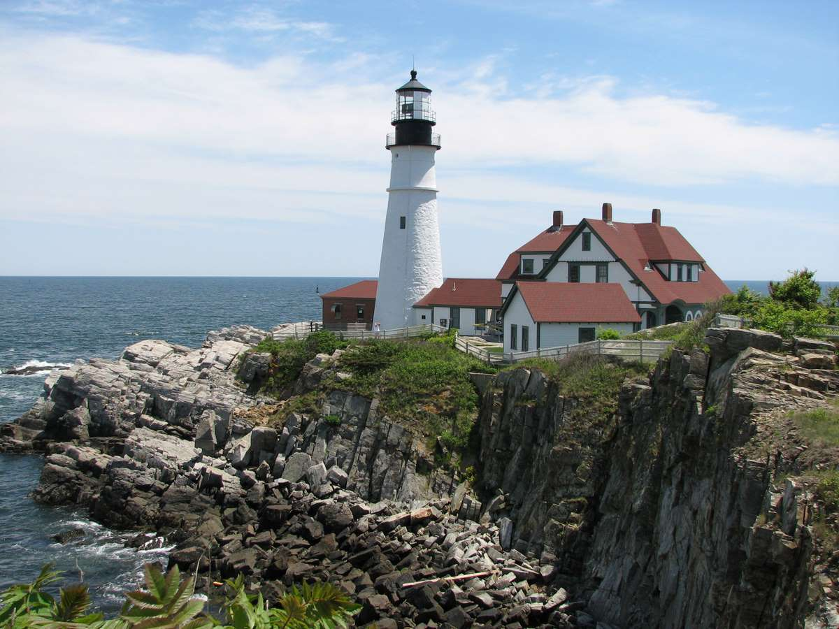 portland-headlight-lighthouse-maine_PD