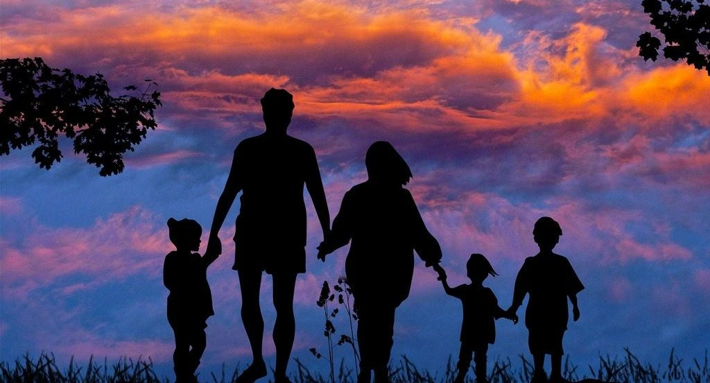 family-tour-leisure-summer-together-sky