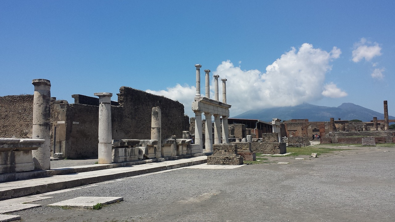 Archaeological Sites_Pompeii-naples-campania-heritage-excavations-ancient-ruins